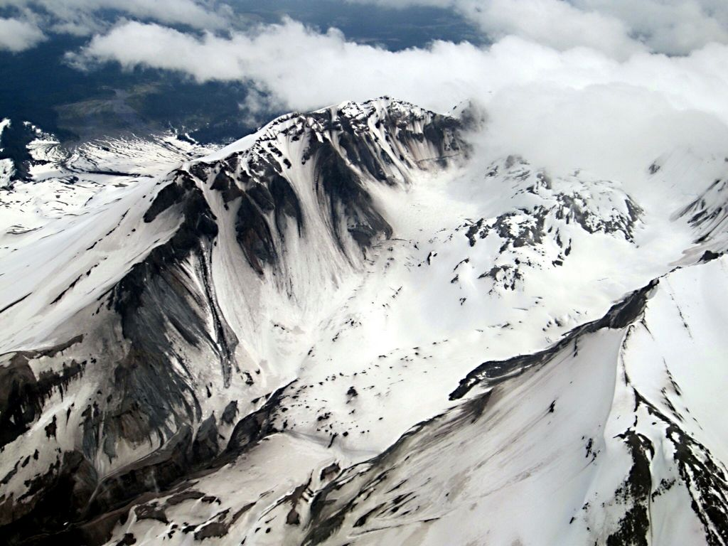 Mt St Helens Crater June 3, 2010 taken by @Clemsonpilot from a C-17 !